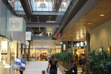 Kauppakeskus Sello sisäkuva kauppakäytävä